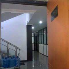 Photo taken at Kantor Terminal Peti Kemas Makassar by Musdha I. on 4/13/2013