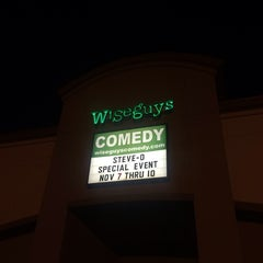 Photo taken at Wiseguys Comedy by Brittany on 11/10/2013
