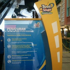 Photo taken at Trans Studio Bandung by Nadia Syazwani I. on 3/8/2013