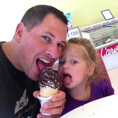 Photo taken at Carvel Ice Cream by Scott B. on 8/5/2013