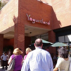 Photo taken at Yogurtland by Danielle C. on 10/4/2012