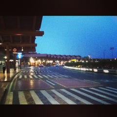Photo taken at Soekarno-Hatta International Airport (CGK) by Naomi Riandiputri S. on 7/15/2013
