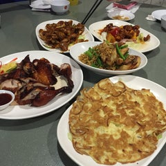 Photo taken at G7 Sinma Live Seafood Restaurant 新马活海鲜 by MapLe on 4/2/2015