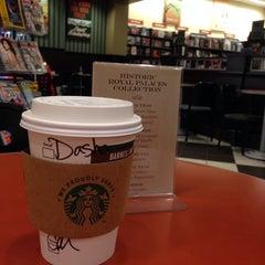 Photo taken at Starbucks by Daria L. on 4/25/2014