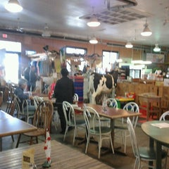 Photo taken at Five Points Market & Get Fresh Cafe by Third R. on 11/29/2012