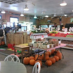 Photo taken at Five Points Market & Get Fresh Cafe by Third R. on 11/8/2012
