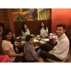 Photo taken at Sakana Japanese Restaurant by tari l. on 7/4/2015