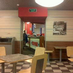 Photo taken at Hesburger by Nikita S. on 9/29/2012