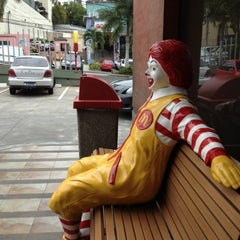 Photo taken at McDonald's by Guille P. on 7/13/2013