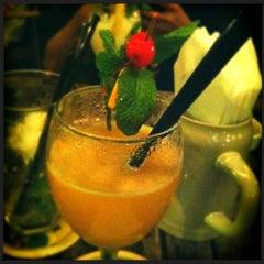 Photo taken at 1920 Restaurant & Bar by 粉猪 on 9/23/2012