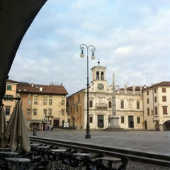 Photo taken at Place San Iacum by Luca Giantin on 3/27/2013