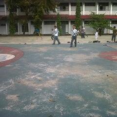 Photo taken at SMA Negeri 17 Makassar by Rini T. on 4/16/2013
