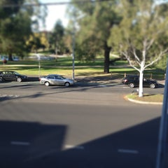 Photo taken at Best Western Melbourne's Princes Park Motor Inn by Glenn F. on 4/19/2013