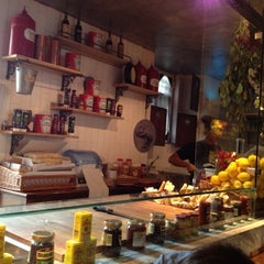 Photo taken at Ham Holy Burger by Gabriele on 10/13/2012
