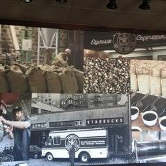 Photo taken at Starbucks by Kavian M. on 4/27/2013