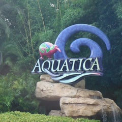 Photo taken at Aquatica Orlando by Diego Maximiliano F. on 9/15/2012