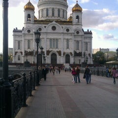 Photo taken at Большой Каменный мост / Bolshoy Kamenny Bridge by Yulia K. on 9/29/2012