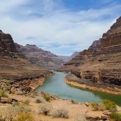 Foto tirada no(a) The Grand Canyon por Sarah T. em 7/21/2014