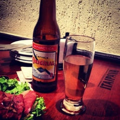 Photo taken at Varanda Pizza Bar by Rafaella Porto on 6/8/2013