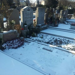 Photo taken at Hietzinger Friedhof by Trifon I. on 12/9/2012