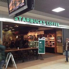 Photo taken at Starbucks by Deksden on 10/23/2012