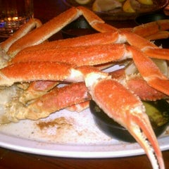 Photo taken at Hooters of Gaslamp by Dale S. on 9/28/2012