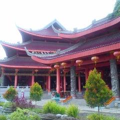 Photo taken at Sam Poo Kong Temple (Zheng He Temple) by Irfan N. on 2/17/2013