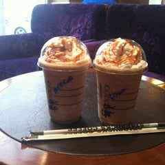 Photo taken at Starbucks Coffee | ستاربكس by Hessah on 4/5/2013