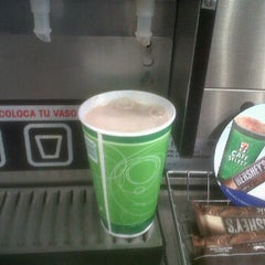 Photo taken at 7- Eleven by jose angel c. on 10/2/2012