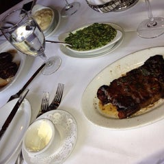 Photo taken at Morton's The Steakhouse by Craig K on 10/22/2013