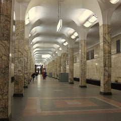 Photo taken at metro Avtozavodskaya by Fоursquаrе по-русски on 10/29/2012