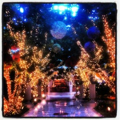Photo taken at The Buffet at Wynn Las Vegas by Erkek G. on 10/21/2012