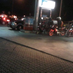 Photo taken at Caltex by Kamarul S. on 10/28/2012