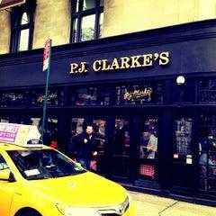 Photo taken at P.J. Clarke's by Joy J. on 2/16/2013
