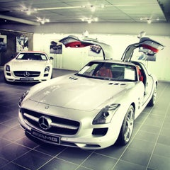 Photo taken at Mercedes-Benz Niederlassung München by Dmitriy T. on 3/9/2013
