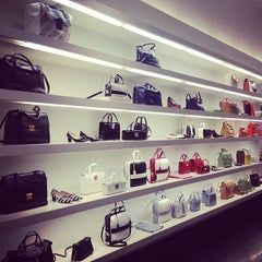 Photo taken at Marc Jacobs Collection Mercer by Marc Jacobs Intl on 3/27/2013