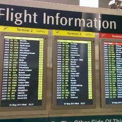 Photo taken at Changi Airport Terminal 2 by Ryan Jeff F. on 5/1/2013