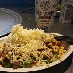 Photo taken at Chipotle Mexican Grill by Ritche Van A. on 9/3/2015
