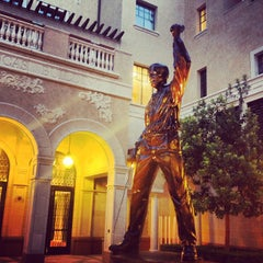 Photo taken at USC School of Cinematic Arts (SCA) by Jack B. on 7/3/2013