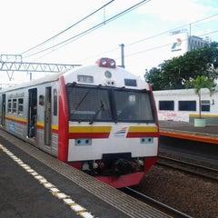 Photo taken at Stasiun Gambir by Aprininda A. on 3/17/2013