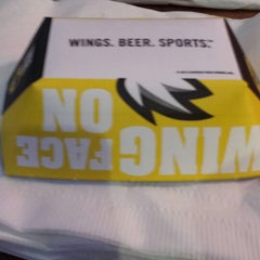 Photo taken at Buffalo Wild Wings by L Michelle W. on 8/9/2013
