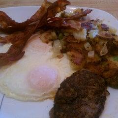 Photo taken at Arthur's Family Restaurant by Jason M. on 11/9/2012