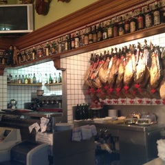 Photo taken at Taberna Real by Manu R. on 10/26/2012