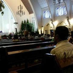 Photo taken at Gereja Katolik Katedral Santa Perawan Maria Dari Gunung Karmel by Liana N Permadi H. on 12/19/2014