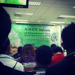 Photo taken at Fakulti Sains Komputer Dan Matematik UiTM by Awis A. on 11/3/2012
