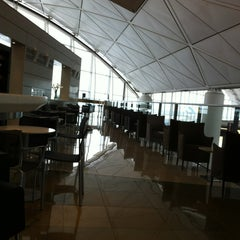 Photo taken at United Club by Yasushi F. on 1/10/2013