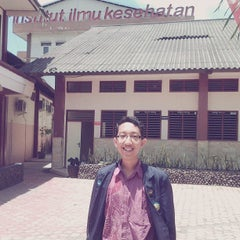 Photo taken at Institut Ilmu Kesehatan - IIK Bhakti Wiyata Kediri by Hendra S. on 10/2/2013