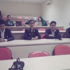Photo taken at Institut Ilmu Kesehatan - IIK Bhakti Wiyata Kediri by Hendra S. on 9/21/2013