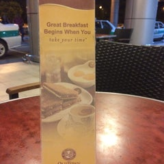 Photo taken at OldTown White Coffee by Belle Nicole on 5/19/2015