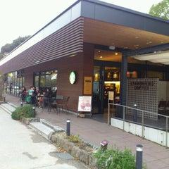 Photo taken at Starbucks Coffee 福岡大濠公園店 by はなはな on 11/24/2012